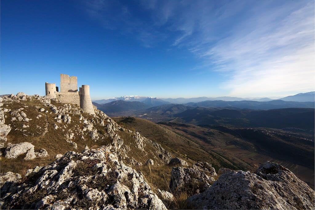 Rocca calascio abruzzo paesaggio
